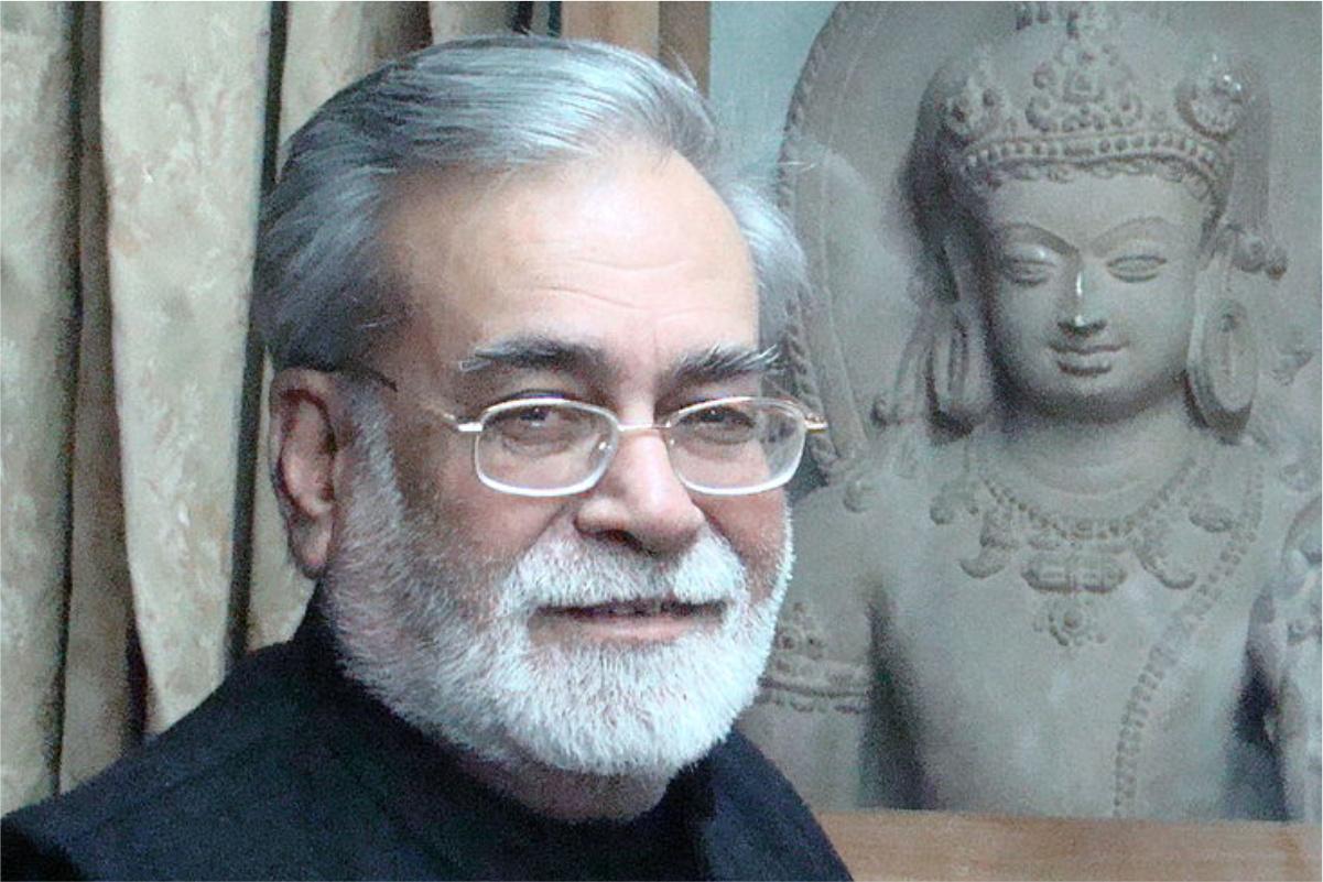 narendra kohli Mahasamar part 1 to 8 ( complete set ) bandhan: mahasamar part 1 महासमर-बंधन 'महाभारत' एक विराट कृति है,जो भारतीय जीवन,चिंतन, दर्शन तथा व्यवहार को मूर्तिमंत रूप में प्रस्तुत करती है। नरेन्द्र.