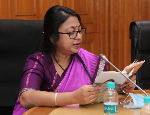 आलोचक मैनेजर पांडेय ने किया पारमिता शतपथी की पुस्तकों का लोकार्पण